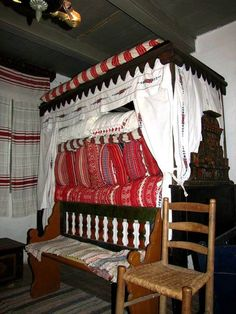 Bed in a farmhouse in Öcsény (Sárköz) Chain Stitch Embroidery, Embroidery Patterns, Braided Line, Hungarian Embroidery, Heart Of Europe, Tidy Up, Bunk Beds, Cribs, Toddler Bed