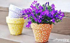 Decore os seus vasos de plantas de maneira diferente, usando tecido. Fica um charme e você pode colocar em vários pontos da casa.