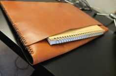 Review: Santi Leather laptop sleeve