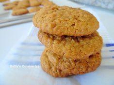 Αυτά πια δεν είναι μπισκότα, είναι ένεση ενέργειας και δύναμης! J Υλικά για 30 μπισκότα: 115 γρ μαργαρίνη 115 γρ μέλι 115 γρ κα... Healthy Sweets, Healthy Recipes, Cookie Recipes, Dessert Recipes, Greek Desserts, Kitchen Stories, Cookie Pie, Confectionery, Nutella