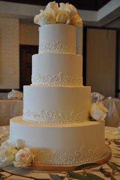 yum yum white chocolate please Bling Wedding, Wedding Events, Dream Wedding, Weddings, Wedding Cake Bakery, Wedding Cakes, Fondant Cakes, Cupcake Cakes, Cupcakes