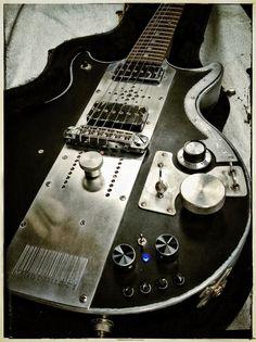 bushdog:タイムラインの写真 - Meloduende Guitars | Facebook