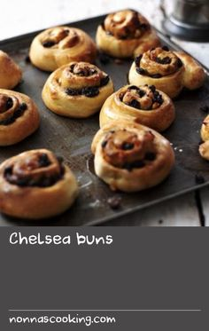 Perfect with a cup of tea and a smear of creamy butter, this Chelsea bun recipe is great for a tea-time treat. Scottish Recipes, Turkish Recipes, Chelsea Bun Recipe, Romanian Food, Romanian Recipes, Eat Your Books, Personal Recipe, Good Food, Yummy Food