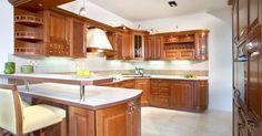 Kuchyňa Sykora Čerešňa classic Kitchen Cabinets, Classic, Table, Furniture, Home Decor, Derby, Decoration Home, Room Decor, Cabinets