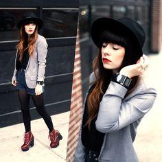 Chapeau - Blazer - Chaussure - Short