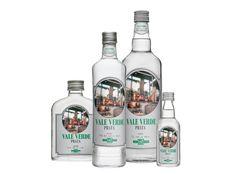 Vale Verde Prata A Vale Verde Prata mantém a tradição e qualidade das cachaças produzidas em Betim há 29 anos. A bebida tem um sabor genuíno, teor alcoólico de 40º e coloração natural, por isso é c...