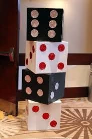 Homecoming themes, las vegas party, prom decor, casino party games, fète ca Casino Party Foods, Casino Party Decorations, Casino Theme Parties, Party Centerpieces, Party Themes, Party Favors, Ideas Party, Ideas Decoración, Theme Ideas