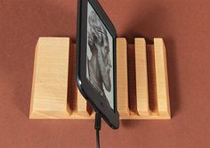 5 Slots Organizer Wood Multidock Charging Station Smartphone Tablet Kindle Stand