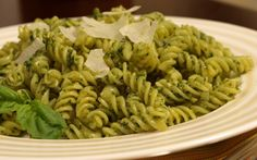 Let Barilla help you with an array of delicious pasta recipes. Discover a dish for any occasion including baked ziti, pasta salad, & more with these Barilla recipes! Barilla Recipes, Pesto Pasta Recipes, Spinach Pasta, Pesto Recipe, Veggie Pasta, Healthy Cooking, Healthy Recipes, What's Cooking, Eat Healthy