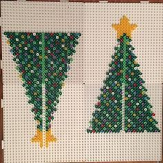 picture only - no working link -a // orig: Christmas tree hama beads by jritaalm Perler Bead Templates, Diy Perler Beads, Perler Bead Art, Christmas Perler Beads, 3d Christmas, Art Perle, Hama Beads Design, Peler Beads, Pearler Bead Patterns