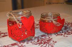 http://villavariksenmarja.blogspot.fi/2014/11/jouluisia-puuhia.html  Crocheted lanterns - virkattuja lyhtyjä