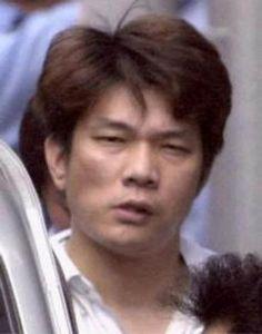 Mamoru Takuma è stato un killer giapponese responsabile del massacro della scuola di Osaka, dove ha ucciso 8 bambini e ha ferito 15 persone.