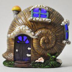 Mystical Snail Shell Fairy House with Lights - Prezents - 1 Mini Fairy Garden, Fairy Garden Houses, Clay Fairy House, Shell House, Clay Fairies, Fairy Crafts, Snail Shell, Fairy Doors, Paper Clay