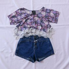 !Final Price! Flowy Floral Lace Trim Crop Top Brand: O'Neill Color: Gray, White, Blue & Purple Condition: Lightly Used! In Good Condition! Has light soft piling! Soft shirt!  Size: S I do not trade!  Bundles are discounted! O'Neill Tops Crop Tops