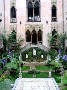 Isabella Stewart Gardener Museum - One of my favorite museum visits in Boston! I wanted to recreate this gorgeous courtyard in my house some day and be BA enough to turn my house into a giant museum of glory and splendor.