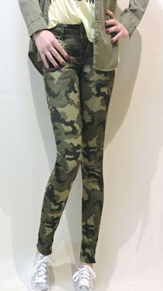 Spring Collection, Military Jacket, Pants, Jackets, Fashion, Trouser Pants, Down Jackets, Moda, Field Jacket