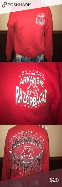 "Vintage Early 90s Arkansas Razorbacks Sweatshirt Vintage 🏈 🏀 Early 90s University of Arkansas Razorbacks Sweatshirt - 20"" Pit to pit / 25"" Top of the shoulder to the bottom of the shirt  -  Medium / Fits Small - Football / Basketball Vintage Shirts Sweatshirts & Hoodies"