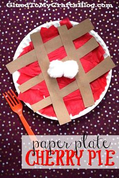 fall art projects for kids Going with the theme of yummy pies this time of year, today I'm going to share a simple Paper Plate Cherry Pie Kid Craft tutorial! Thanksgiving Art Projects, Fall Art Projects, Toddler Art Projects, Toddler Crafts, Preschool Crafts, Projects For Kids, Kids Crafts, Preschool Homework, Thanksgiving Crafts For Toddlers