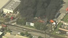 Fire burning multiple buildings in Santa Fe Springs after crash - U.S Interactive News Map - United States News - usa.liveuamap.com