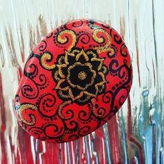 #acrilicpainting #mandala #paintingrocks #gardendecoration #paintedstone #paintedrock #globalrockpainters #art_on_the_rocks #decoronrocks #рисункинакамнях #арткамни #росписьнакамне
