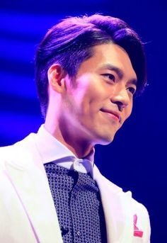 Hyun Bin,looks charming !! Isn't it ?