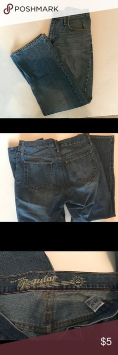 Old Navy men's jeans size 34x30 Straight fit. 78% cotton, 24% polyester and 4% other fibers. Gently used. Old Navy Jeans Straight