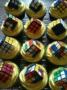 Cupcakes with yellow butter cream frosting topped off with edible Rubik's cubes. Superhero Wedding Cake, Lego Wedding Cakes, Themed Wedding Cakes, Themed Cakes, Cake Wedding, Bolo Youtube, Easter Appetizers, Traditional Wedding Cake, Rolling Fondant