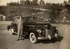 Antigos Verde Amarelo: Cadillac Model 62 4-Door Sedan 1941 ...    Cadillac Model 62 4-Door Sedan de 1941 na cidade de São José dos Campos -SP já nos anos 60. Apresenta-se em bom estado para um carro com mais de 20 anos... será que sobreviveu? guilhermedicin@hotmail.com  Postado porGuilherme da Costa Gomesàs18:26  Marcadores:Cadillac  Antigos Verde Amarelo: Cadillac Model 62 4-Door Sedan 1941 ...
