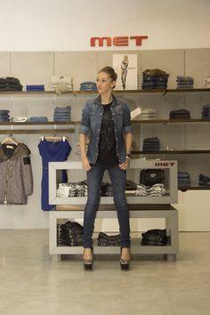 Me! ;) in MET Store, Pants, Fashion, Trouser Pants, Moda, Fashion Styles, Larger, Women's Pants, Women Pants