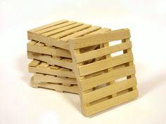 He encontrado este interesante anuncio de Etsy en https://www.etsy.com/es/listing/205300444/pallet-wood-mini-pallet-coaster