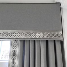 Super ideas for bathroom window coverings fabrics cornice boards Bathroom Window Coverings, Window Cornices, Bathroom Windows, Pelmet Box, Window Blinds, Window Seats, Curtains Living, Curtains With Blinds, Gypsy Curtains