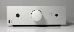Med A-D phono box S fra Pro-Ject får man både Riia og standard analoginngang.