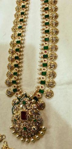 Emerald Jewelry, Pearl Jewelry, Antique Jewelry, Gold Jewelry, Jewelery, Indian Wedding Jewelry, Bridal Jewelry, Latest Jewellery, Fashion Jewellery