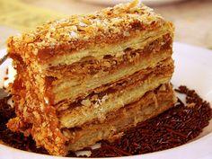 Milhojas - birthday cake for him Torta Pompadour, Great Desserts, Dessert Recipes, Argentina Food, Birthday Cake For Him, Tolle Desserts, Venezuelan Food, Chilean Recipes, Latin American Food
