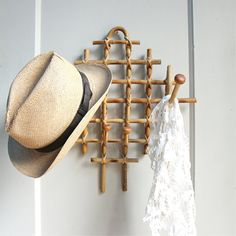 Hat Rack Ideas, Easy And Simple For Sweet Home. Hat rack ideas – There are so many kinds of hats to the extent that hat collectors should rack their brain to think about some, if not one, hat rack ideas. Lounge Design, Bar Lounge, Diy Hat Rack, Hat Hanger, Hat Hooks, Bamboo Art, Bamboo Crafts, Bamboo Ideas, Tiki Bars