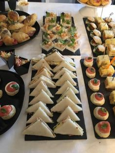 Cook Around Forum Yummy Appetizers, Appetizers For Party, Appetizer Recipes, Wedding Buffet Food, Party Buffet, Birthday Menu, Fingerfood Party, Reception Food, Party Finger Foods