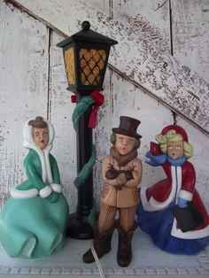 Vintage Atlantic Mold Ceramic Christmas Carolers And Lamp