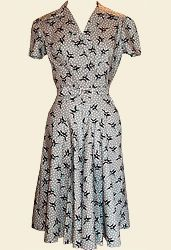 1940s day dress - this is *very* similar to my 1940s Swing Dress pattern!