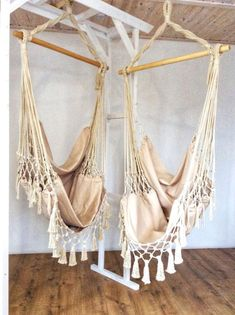Top #interiordesign #homedecor ideas from the best interior designers. Add a touch of Vintage beauty to your #interiors with #hanging #chairs, Kilims & rugs made from finest material All sizes & colors are available .The perfect artistic niche that you require is ready visit  #Wish #Ebay #Ricardo #Swiss #Amazon #Mercadolibre #Argentina #Mexico Wicker Swing, Hammock Swing Chair, Swing Seat, Swinging Chair, Swing Chairs, Diy Hammock, High Chairs, Rocking Chairs, Desk Chairs