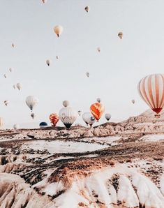 hot air balloon festival over the hills Travel Photography Tumblr, Photography Beach, Air Balloon, Balloons, Balloon Race, Balloon Party, Photocollage, To Infinity And Beyond, Photo Wall Collage