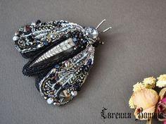 Купить Мотылек с ортоцерасом, крупная брошь для клатча или пальто - черный, серебристый, серебристо-черный