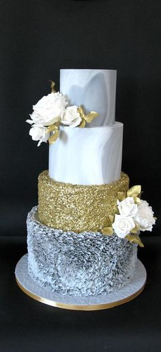 Grey marble wedding cake by Delice