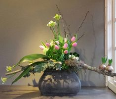 Asymmetrical modern take on spring . 2019 Asymmetrical modern take on spring . The post Asymmetrical modern take on spring . 2019 appeared first on Flowers Decor. Ikebana Arrangements, Christmas Flower Arrangements, Ikebana Flower Arrangement, Flower Arrangements Simple, Flower Garlands, Flower Decorations, Deco Floral, Arte Floral, Home Flowers