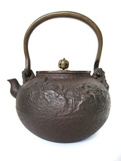 Japanese Antique Tetsubin (tea kettle).