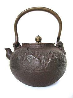 Japanese Antique Tetsubin (tea kettle).