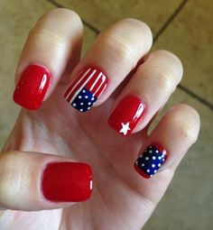 Semi-permanent varnish, false nails, patches: which manicure to choose? - My Nails Red Nail Art, Red Nails, Red Manicure, Blue Nail, Pastel Nails, Bling Nails, French Nails, American Flag Nails, Patriotic Nails