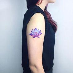 @tattooist_ida•#타투이스트이다 #idatattoo  Mistic Lotus . 타투문의는 카톡 아이디 heejaej로 연락주세요 .