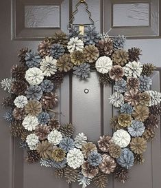 DIY Christmas Wreaths for Front Door - Party Wowzy - Christmas decorations - Christmas Pine Cones, Christmas Wreaths For Front Door, Holiday Wreaths, Christmas Diy, Holiday Decor, Front Door Wreaths, Winter Wreaths, Pine Cone Art, Pine Cone Crafts