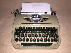 Vintage mechanical mechanical typewriter 1954 portable