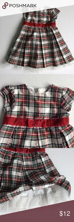 Crazy 8 holiday dress, size 12-18 mos Cute and perfect for the holidays!  This plaid party dress is fully lined, with ruffled petticoat to make it full.  Almost new, worn twice.  By Crazy 8, size 12-18 months. Crazy 8 Dresses